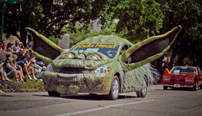 Auto americane, tutte le foto più strane e divertenti dagli Stati Uniti