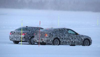 BMW Serie 5 e Serie 5 GT spiate durante i test invernali