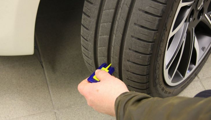 Come mantenere gli pneumatici in perfetta efficienza - Foto 6 di 10