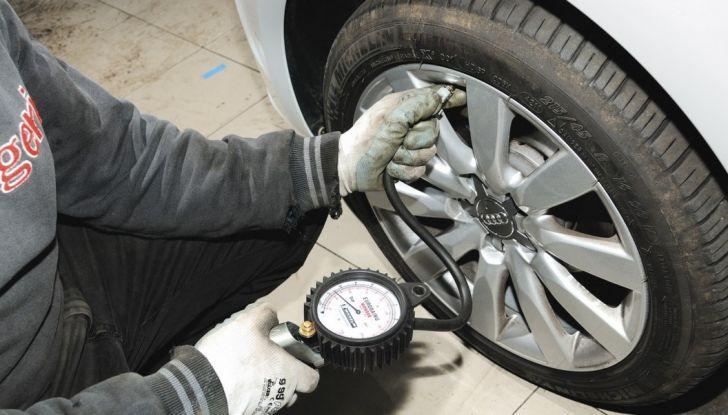 Come mantenere gli pneumatici in perfetta efficienza - Foto 3 di 10