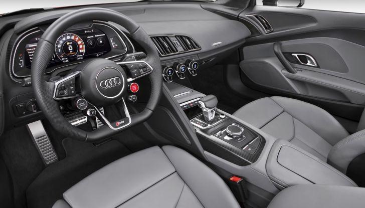Audi R8 V10 plus interno