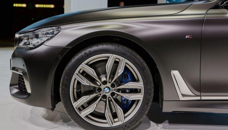 Nuova BMW M760Li xDrive - Foto 16 di 34