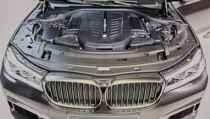 Nuova BMW M760Li xDrive - Foto 22 di 34