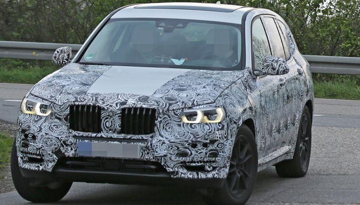 Nuova BMW X3: interni e dettagli nelle ultime foto spia - Foto 3 di 14
