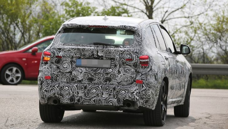 Nuova BMW X3: interni e dettagli nelle ultime foto spia - Foto 10 di 14