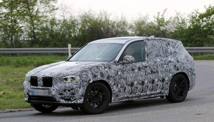 Nuova BMW X3: interni e dettagli nelle ultime foto spia - Foto 1 di 14