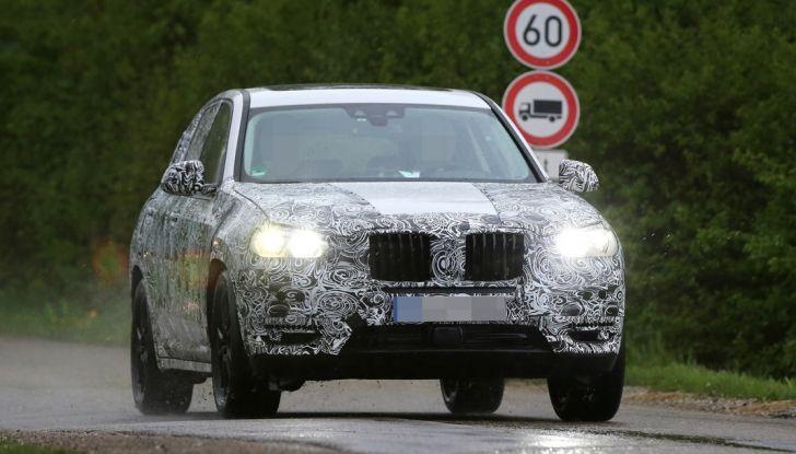 Nuova BMW X3: interni e dettagli nelle ultime foto spia - Foto 2 di 14
