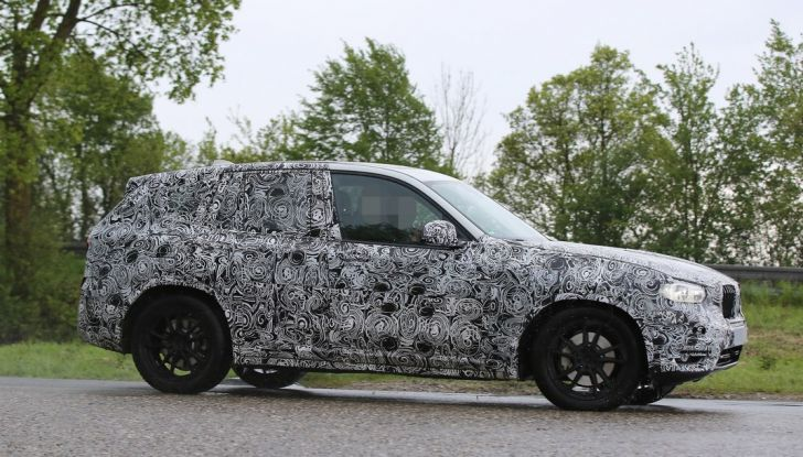 Nuova BMW X3: interni e dettagli nelle ultime foto spia - Foto 6 di 14
