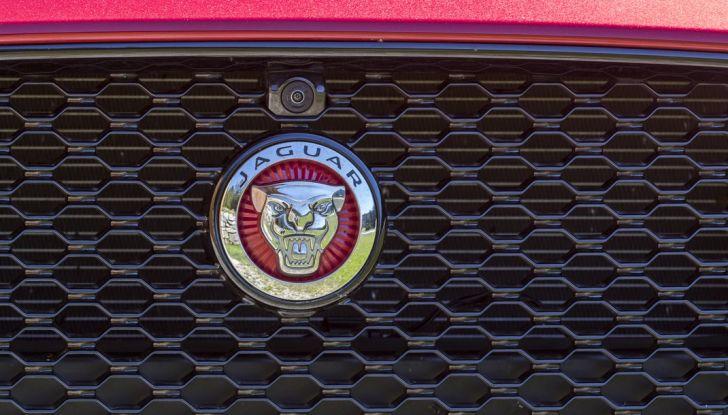 Nuova Jaguar XF 2017: Diesel da 2,0 litri Ingenium da 180 CV con AWD - Foto 12 di 18