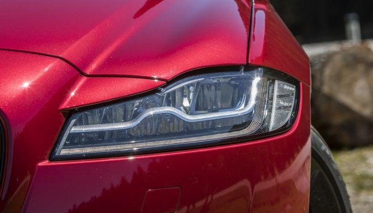 Nuova Jaguar XF 2017: Diesel da 2,0 litri Ingenium da 180 CV con AWD - Foto 13 di 18