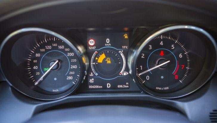 Nuova Jaguar XF 2017: Diesel da 2,0 litri Ingenium da 180 CV con AWD - Foto 3 di 18