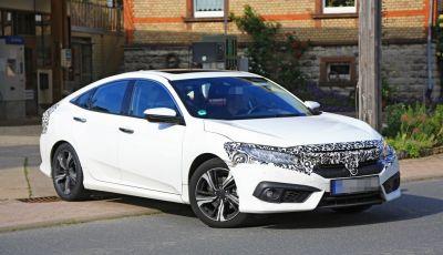 Nuova Honda Civic sedan: ecco le ultime foto spia