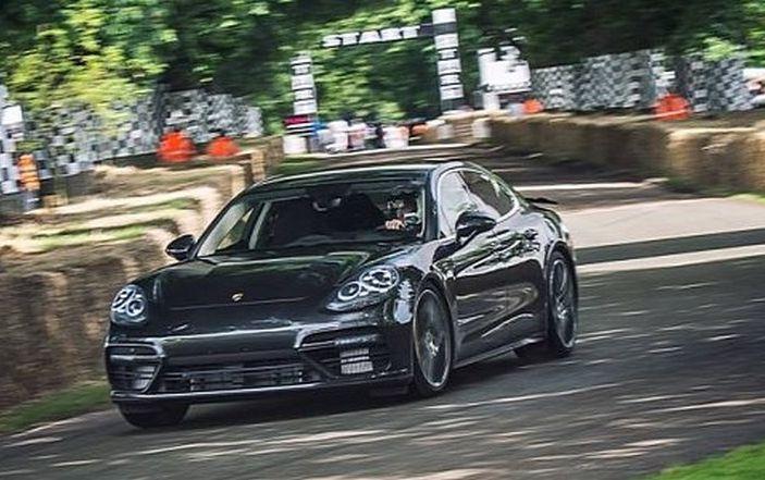 Porsche Panamera 2017, il Test Drive di Patrick Dempsey: oltre 500CV