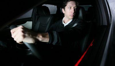 La stanchezza alla guida è più pericolosa dell'alcol, ma non ci sono sanzioni
