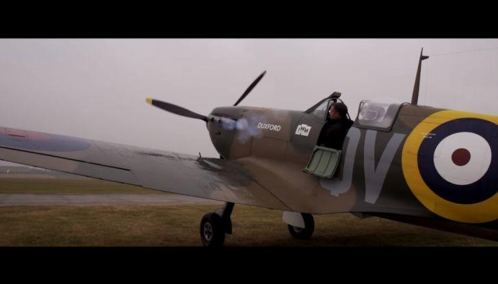 Aston Martin V12 Vantage S Spitfire 80 presentata in un video - Foto 12 di 17