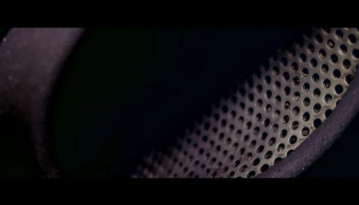 Aston Martin V12 Vantage S Spitfire 80 presentata in un video - Foto 14 di 17