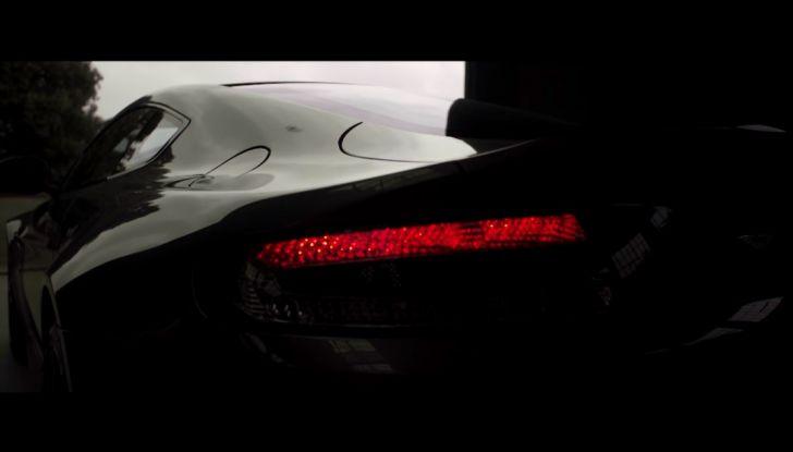 Aston Martin V12 Vantage S Spitfire 80 presentata in un video - Foto 16 di 17