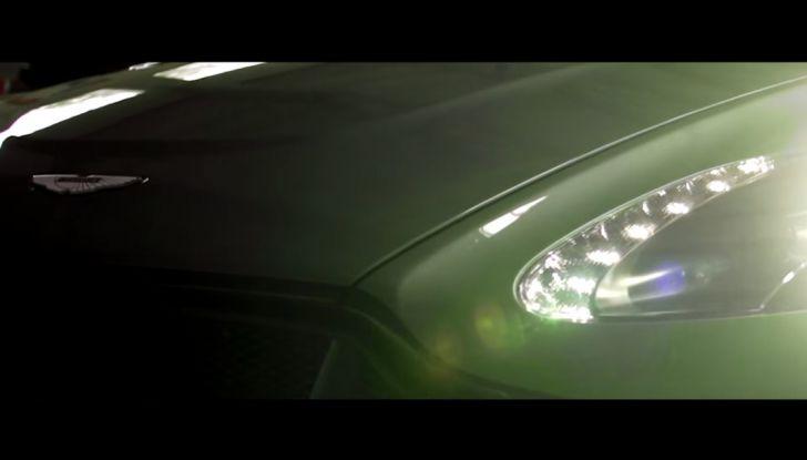 Aston Martin V12 Vantage S Spitfire 80 presentata in un video - Foto 17 di 17
