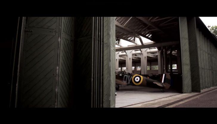 Aston Martin V12 Vantage S Spitfire 80 presentata in un video - Foto 6 di 17