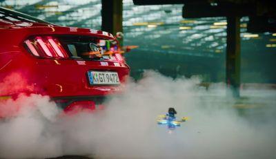 Il Dronekhana con Ford Mustang e Ford Focus RS è come Star Wars – Video