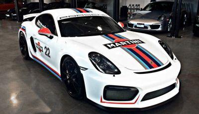 "Porsche Cayman GT4 ""veste"" Martini"