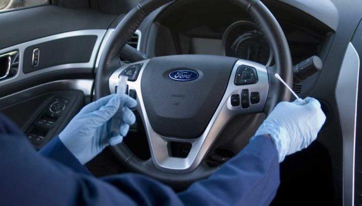 Come pulire il volante dell'auto, alcuni consigli pratici - Foto 2 di 6