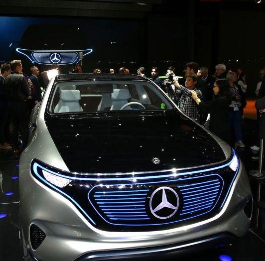 Mercedes Generation EQ al Salone di Parigi 2016