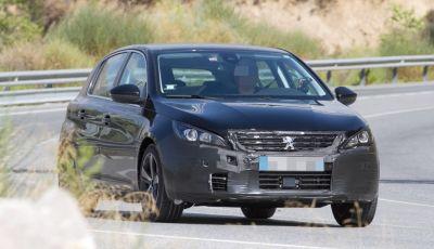 Peugeot 308 e 308 SW 2017, le prime foto durante i collaudi