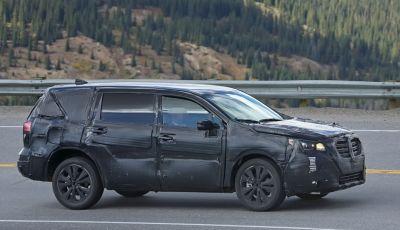 Subaru Tribeca, prime foto spia del nuovo SUV giapponese