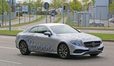 Mercedes Classe E Coupe, foto spia della nuova generazione