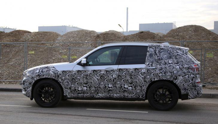 Nuova BMW X3 2017: le prime foto spia in Germania - Foto 23 di 26