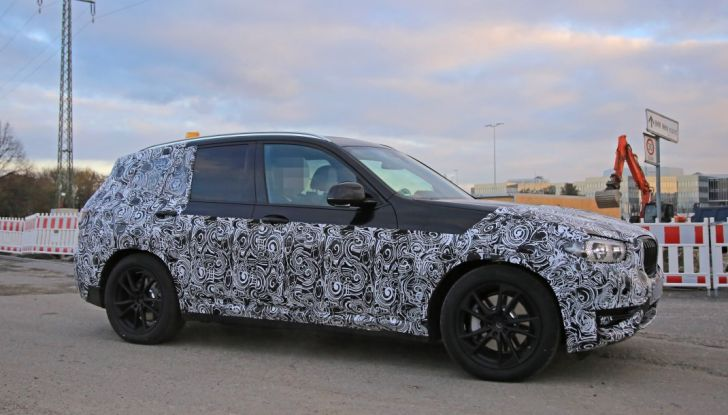 Nuova BMW X3 2017: le prime foto spia in Germania - Foto 6 di 26
