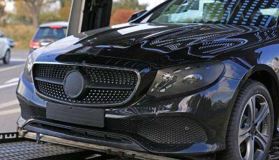 Nuova Mercedes Classe E Coupé, foto spia della versione quasi definitiva