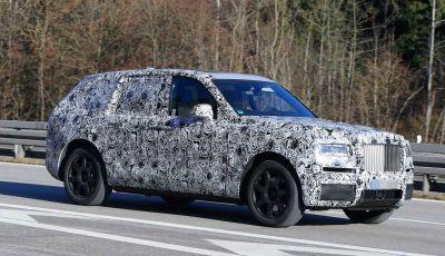 Rolls Royce Cullinan, prime foto spia del SUV di lusso atteso per il 2018