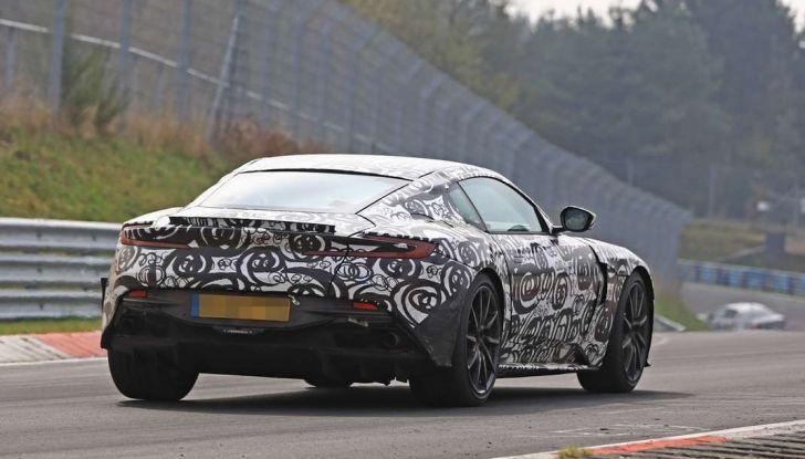 Aston Martin Vantage 2018 prime immagini spia della sportiva inglese - Foto 11 di 23