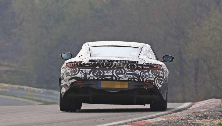 Aston Martin Vantage 2018 prime immagini spia della sportiva inglese - Foto 12 di 23