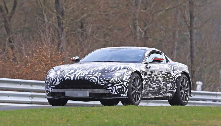 Aston Martin Vantage 2018 prime immagini spia della sportiva inglese - Foto 15 di 23