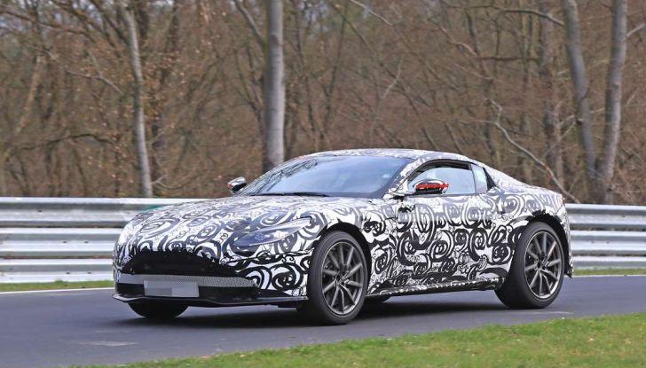 Aston Martin Vantage 2018 prime immagini spia della sportiva inglese - Foto 16 di 23