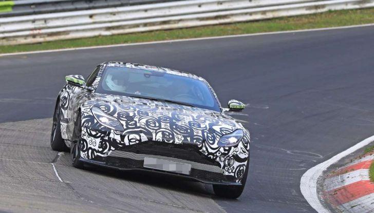 Aston Martin Vantage 2018 prime immagini spia della sportiva inglese - Foto 23 di 23