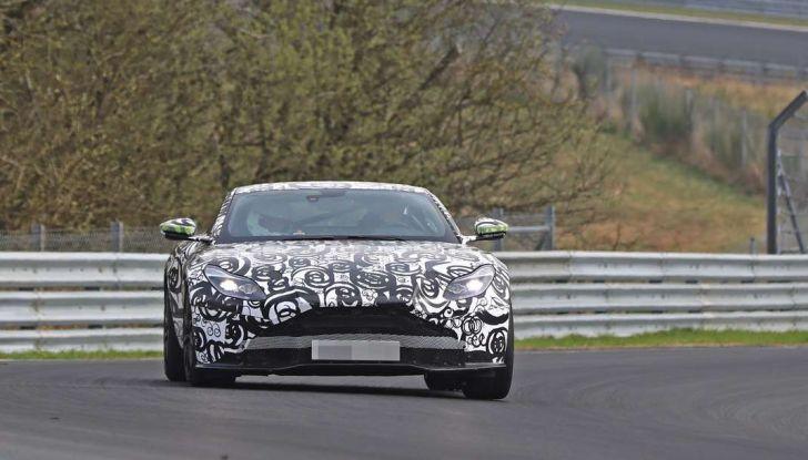 Aston Martin Vantage 2018 prime immagini spia della sportiva inglese - Foto 5 di 23