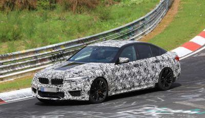 BMW M5, la berlina sportiva in azione al Nürburgring