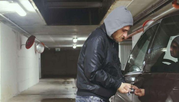 7 consigli per non farsi rubare l'automobile - Foto 5 di 8
