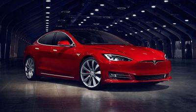 Auto elettriche: Nissan Leaf la più venduta, Tesla con Model S e X leader in Italia