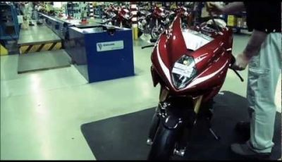 MV Agusta F3: video della catena di montaggio