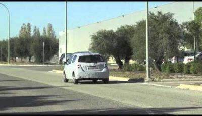 Toyota Yaris Facelift video spia