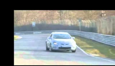 Opel Astra GTC OPC video spia in pista al Nürburgring