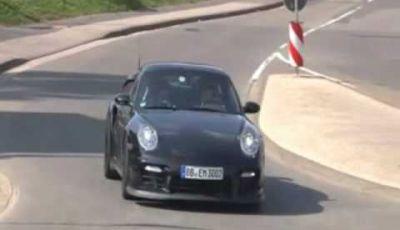 Video Porsche 911 GT2 Spy