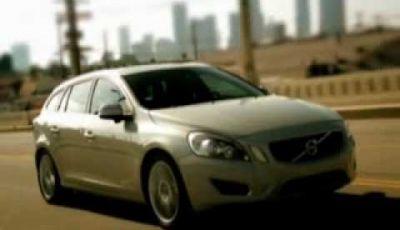 Volvo V60, il video che la mostra su strada