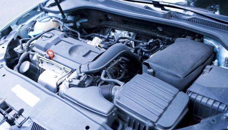 I 9 consigli per far vivere a lungo il motore dell'auto - Foto 4 di 12