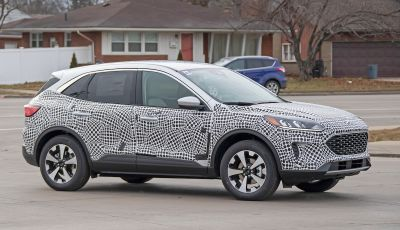 Ford Kuga 2020, prime prove su strada per il Crossover dell'Ovale Blu